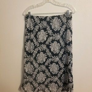 Navy & gray floral Cato skirt size small (GG0518)